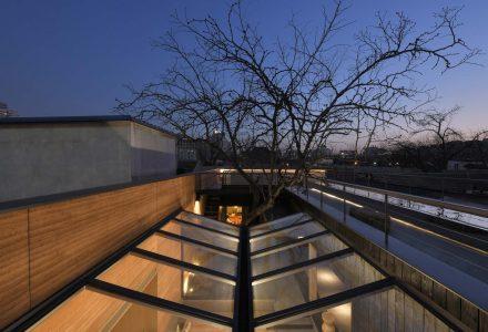 """北京·""""崖""""云南特色餐厅 / C+ Architects"""