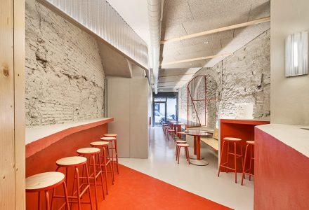 巴塞罗那·FOLKS汉堡店 / AMOO