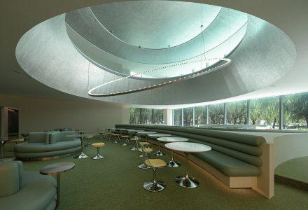 """上海·""""ATLATL创新中心""""配套餐厅设计 / 万社"""