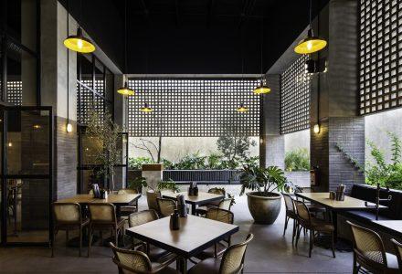 """墨西哥·""""班纳尔""""工业风餐厅设计"""