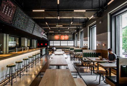 """北京·""""悠航鲜啤(麦子店)""""西餐厅设计 / ATLAS"""