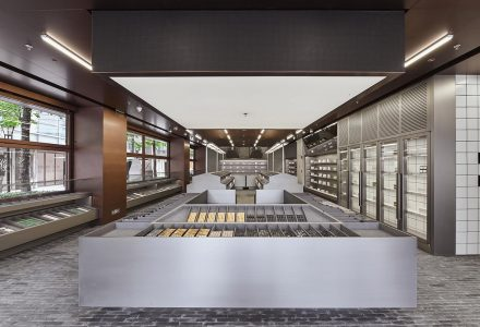 """上海·""""HARMAY話梅""""美妆店设计 / AIM"""