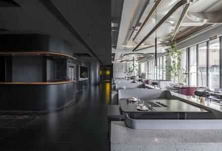 """北京·""""鲜入唯煮""""港式火锅餐厅设计 / 多夕建筑"""